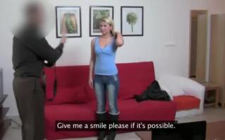 Notgeile Teenagerin bemacht Getichtssame auch Handt, um einen schön Schwanz Blasmuss über etwas