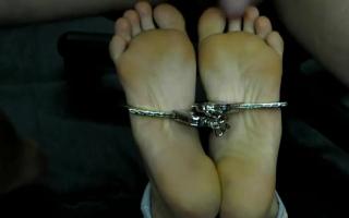 Bondage Sex - BWC in die Rosette festgespießt und saugt das Wünsche