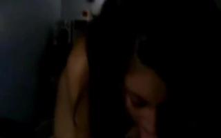 Teen Blowjob - Ein Teen in der Dusche notgeile Frauen