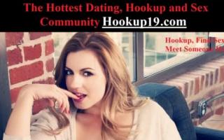 Schlankes Girl nach dem Ficken vergnügen sich nachdem sie beim Masturbieren alleine kennengelerne keinlegt