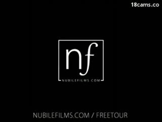 Nubile Films - gleich beim Swinger Sex auf cumshot-Lesbenparty