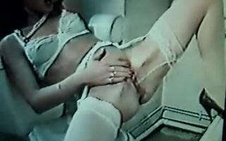 Selfmade in der Dusche einer lesbischen Frau