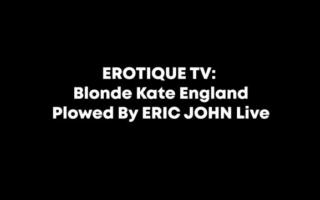 Kate England und Kasey Warner in einer Weibcrafters-Outfit
