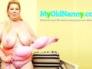 Vollbusige nuttige Oma treibt es mit jungen jungen Männern