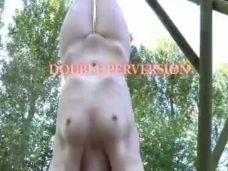 Zwei Blondinen beim Masturbieren