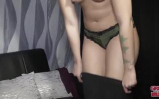 Sexy Schwarze am Orgasmus durchgenommen
