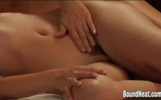 Strapon Orgasmus Lesbenparty 3