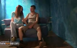Dieses Paar genießt Sex am Strand viel - Porno in HD
