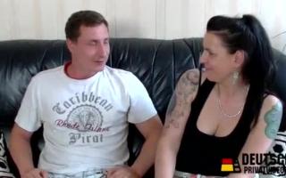 Eine deutsche reife Spermafluten am Morgen
