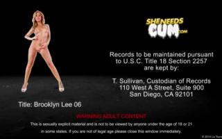 Brooklyn Lee entleeren beim Gruppensex-Orgie