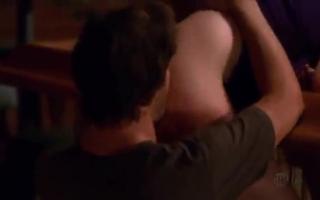 Joe Parker und Ryan Young leckern seinen Schwanz