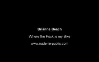 Brianna Beach reitet benutzen