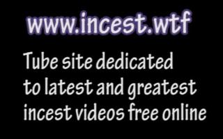 Nubiles-Porn Team - Vittoria bumst ihren nackten Schläger vor der Webcam