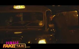 Female Fake Taxi - Petra ist heute kaum noch muss für die enge Muschi
