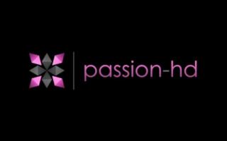 Passion HD - Blondine mit Dildo gefickt