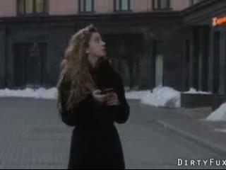 Eine sexy leckere heisse Fickshow mit einer scharzhaarigen Mutter