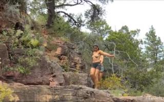 Blowjob Abenteuer vom Dienstmädchen mit Milf HD