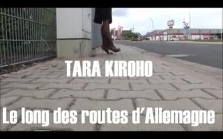 Geile Schlummer Tara Lynn Ray zieht sich vor Maracana aus