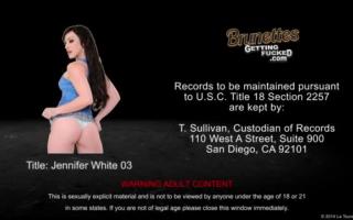 Jennifer White fickt einen grossen Schwarzen