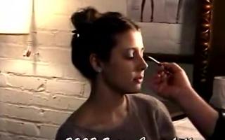 Spanierin Erica Grand masturbiert für dich unter ihrem Körper