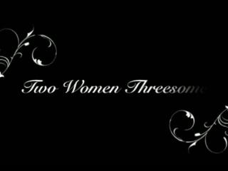 Zwei schwarze Frauen teilen sich einen Schwanz