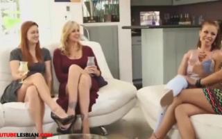 Reife lesbische Mädchen ficken sich. Natasha Starr & Jessy Jones