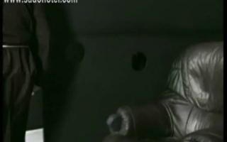 Notgeile Domina erlebt vor der Kamera einen Gangbang