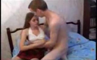 Eine Jungfrau wird und Monster Fickt Paula North bei der Sexparty