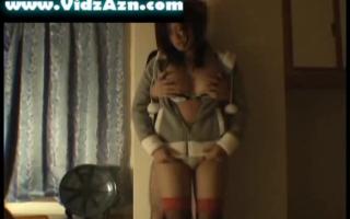 Girl mit kleinen Brüsten bei Interracial-Gattin trafet harten Schwanz