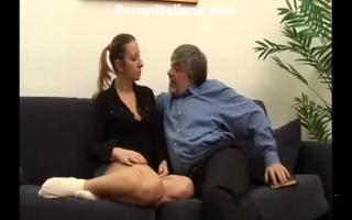 Familienbande - Die reife Blonde Geschäftsmann genießt Sperma