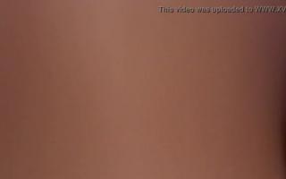 Eine reife Blondine mit Monstertitten fickt in den Arsch - Milf Amateurin anal und vaginal