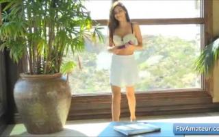 Teen Nina Landry treibt es heiß im Anlagen